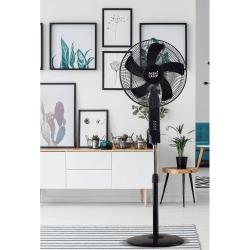 Ventilatore a piantana,  Cacimbo, 45W, nero con dettagli cromati, + telecomando, Lba Home.